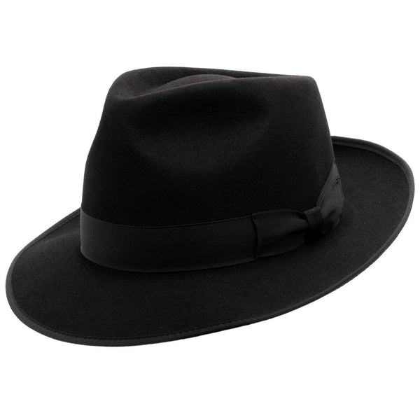 Angle view of  black Akubra Stylemaster hat