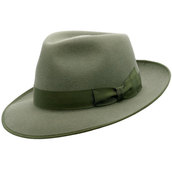 Angle view of Akubra Stylemaster hat in Bluegrass Green colour