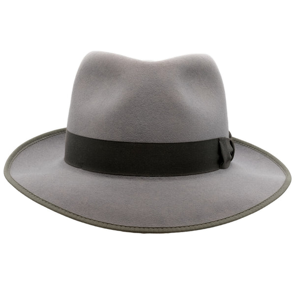 Front view of Akubra Stylemaster hat in moonstone colour with contrast trim