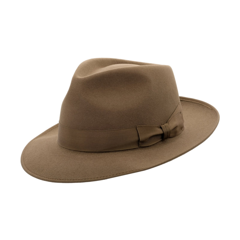 Angle view of Akubra Stylemaster hat in Acorn Fawn