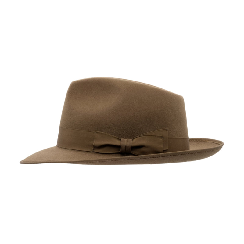 side view of Akubra Stylemaster hat in acorn Fawn
