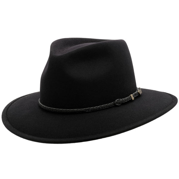 angle view of the Akubra Traveller hat  in Black