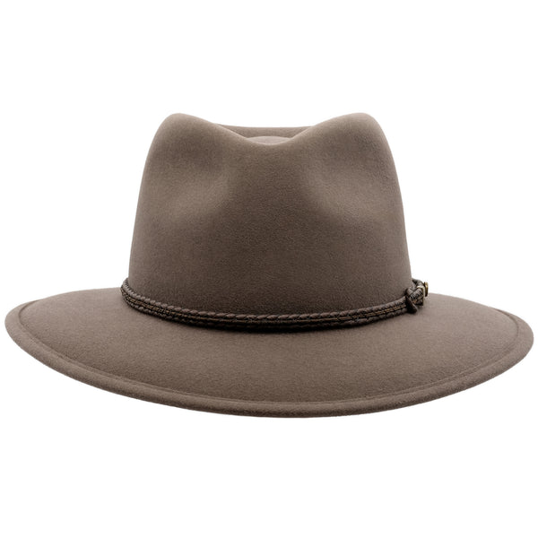 front view of the Akubra Traveller style hat in Regency fawn