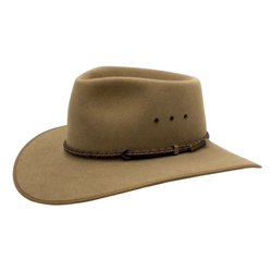 Angle view of  Akubra Cattleman Country style hat in Santone colour