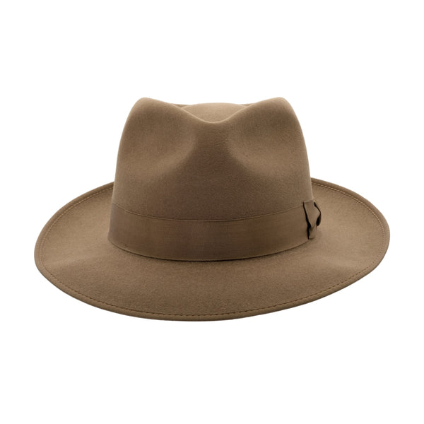 front view of Akubra Stylemaster hat in acorn Fawn