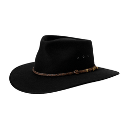 Angle view of the Black Akubra Cattleman hat