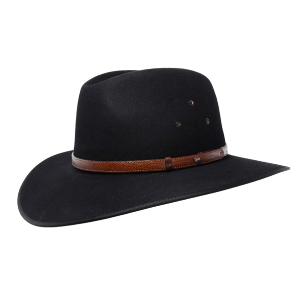 Angle view of the Akubra Coober Pedy hat in black