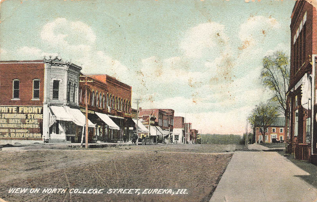 Eureka IL Illinois - North College Street - Postcard