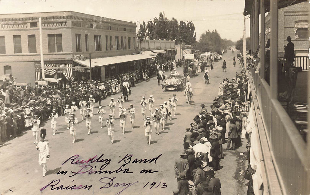 Dinuba - CA California - Raisin Day 1913 Parade - Reedley Band - RPPC