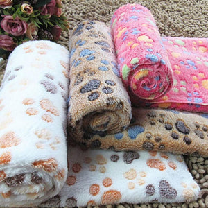 Soft Flannel Fleece Blanket With Paw Design