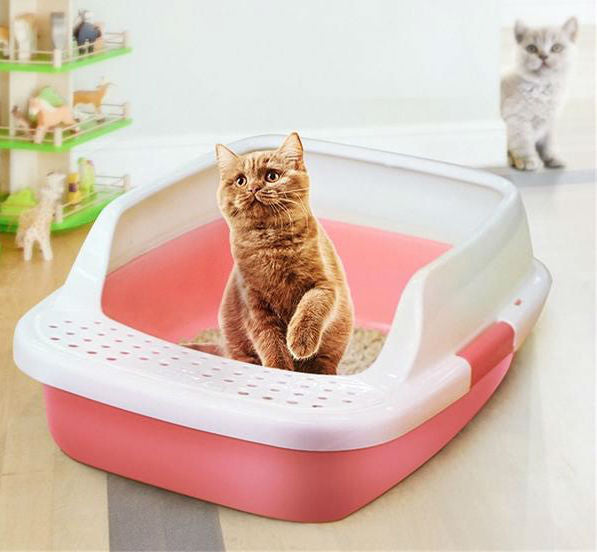 Plastic Litter Box With Anti-Splash Borders And Cat Paws Cleaner