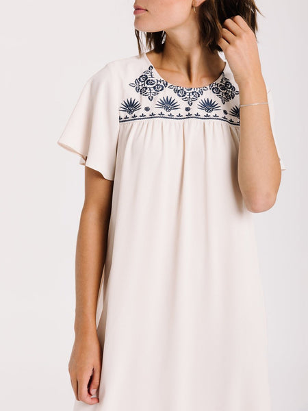 Plus Size Women White Dresses Shift Daily Casual Pockets Embroidered Maix Dresses