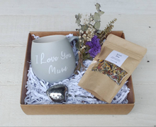 Load image into Gallery viewer, I love you Mum Gift Box