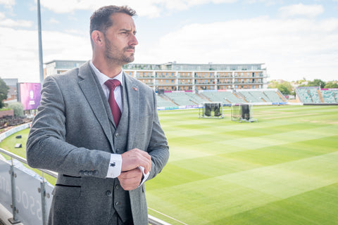 Head Coach Jason Kerr from Somerset CCC modelling the Cavani Martez Grey 3 piece suit and Suave Owl shirt