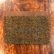 Load image into Gallery viewer, Harris Tweed Stornoway Credit Card Holder