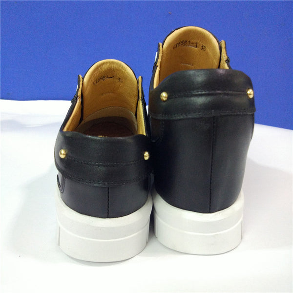 Leg length discrepancy shoes for women