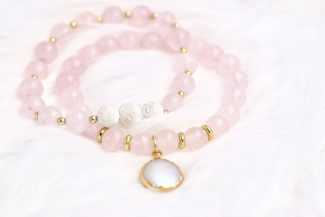 Rose quartz bracelets with pearl drop and essential oil