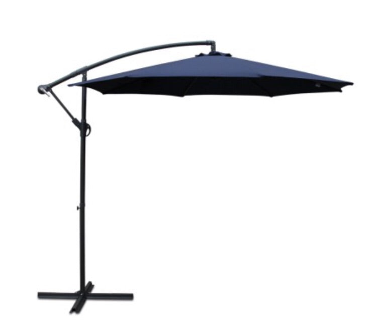 Cantilevered Outdoor Umbrella