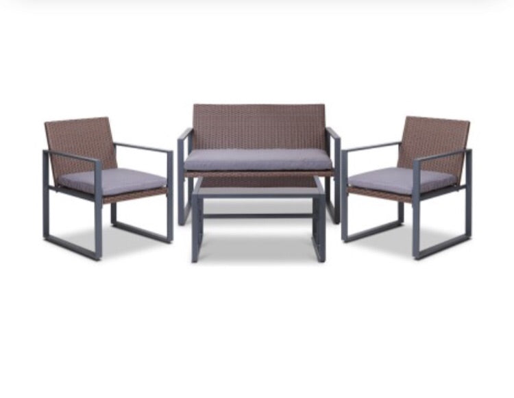 Wicker outdoor furniture - Brown