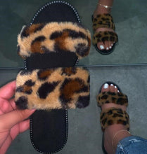 Load image into Gallery viewer, Rainbow Durable Sandals Outdoor Wild Fashion Beach Flat Flip Flop Fox Fur Spring Summer New 2020 Pink Women Home Furry Slippers