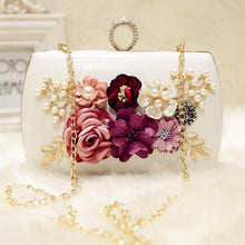 Load image into Gallery viewer, 2020 high quality luxury handmade flowers evening bags brand dinner clutch purse with chain flower banquet bags  MN258