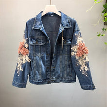 Load image into Gallery viewer, 2019 autumn women embroidered three-dimensional flower short wash long-sleeve denim jacket light blue female jeans jacket M131