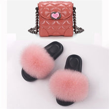 Load image into Gallery viewer, Children's Fur Slippers Furry Home Slippers Coin Purse Fluffy Fox Fur Slippers Indoor Summer Flat Sandals Girls Slippers