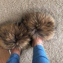 Load image into Gallery viewer, Summer Fluffy Raccoon Fur Slippers Shoes Women Real Fox Fur Flip Flop Flat Furry Fur Slides Outdoor Sandals Woman Amazing Shoes
