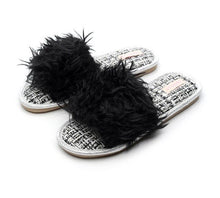 Load image into Gallery viewer, FAYUEKEY 2020 Women's Fox Fur Slippers Woman Slides Furry Flat Sandals Female Lovely Fluffy Shoes Homes non-slip Flip Flops