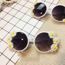 Load image into Gallery viewer, Original Fashion women sunglasses Retro Rhinestone Sun Glasses For Women Handmade Flower Pearl Beach High Quality
