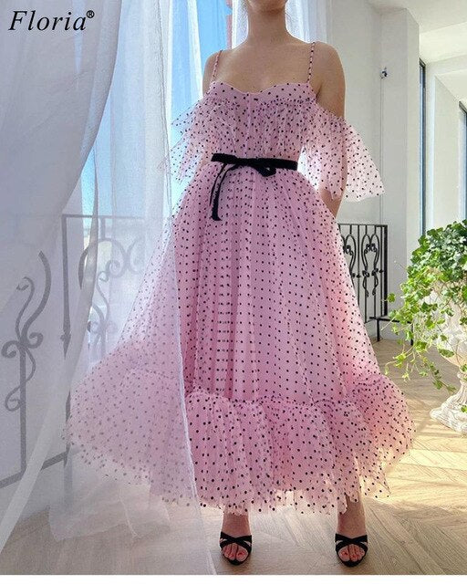 Kaftans Couture Pink Celebrity Dresses 2020 Spaghetti Sweet Red Carpet Runaway Dresses Women Fashion Show Dresses Evening Wear