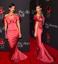 Load image into Gallery viewer, Backless Formal Celebrity Dresses Mermaid Off The Shoulder Long Evening Dresses Famous Red Carpet Dresses