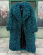 Load image into Gallery viewer, Russian Style Amazing Fabulous Big collar Real Mongolian  Fur coats luxury winter women's Real fur trench colete pele