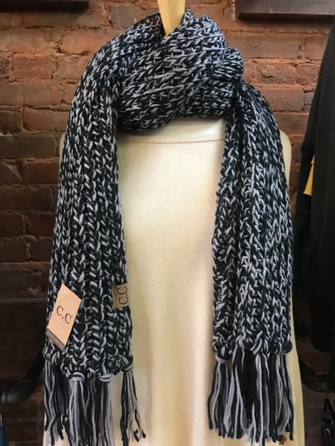 CC black grey scarf 29075.JPG