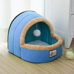 Plushy Pet Bed with Snowball