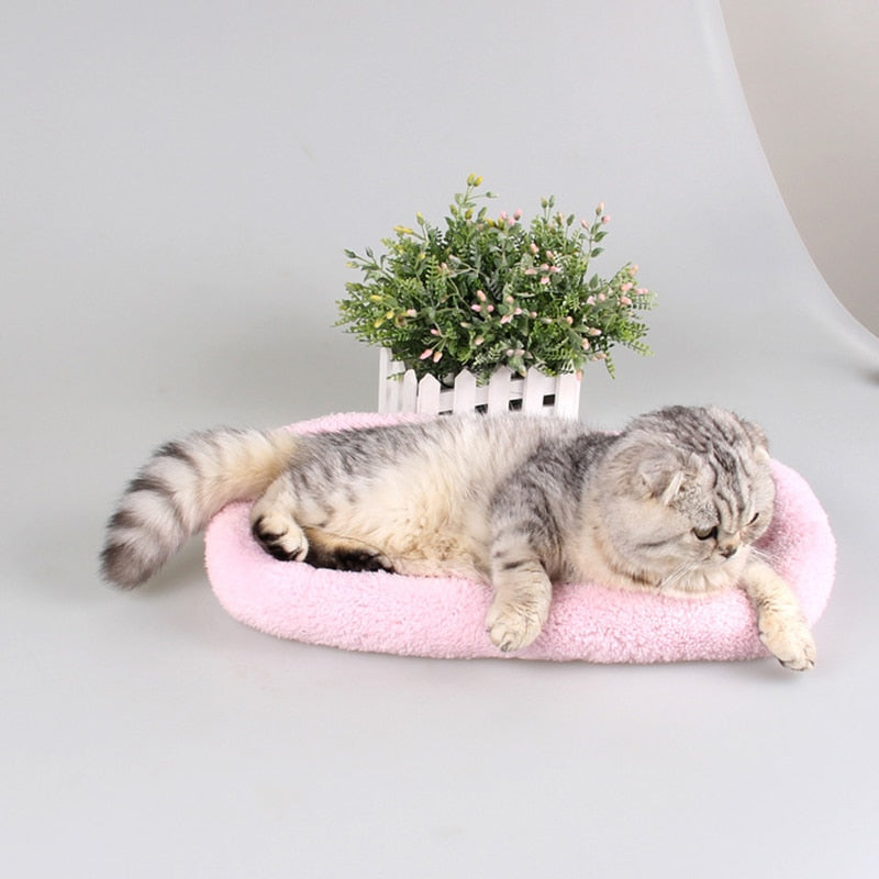 Plushy Pet Bed for Cats and Dogs
