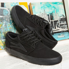 Griffin - Black/Black Canvas