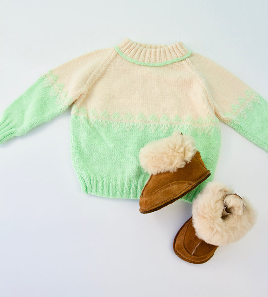 Seafoam sweater and Uggs bundle, 1 year