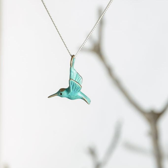 curAtiv proudly gives you Hummingbird Mini Sculpture Pendants.