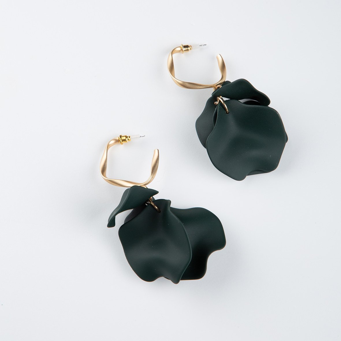 curAtiv proudly gives you Prague Organic Petal with Matt Gold Hoops Earrings.
