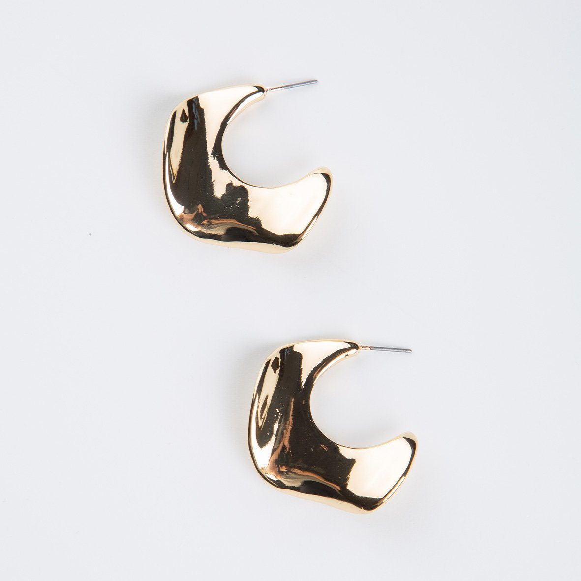 curAtiv proudly gives you Taipei Organic Wave Square Hoops - Gold Earrings.