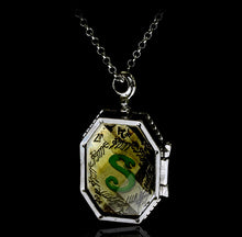 Load image into Gallery viewer, HP Slytherin College Treasures Horcrux Necklace