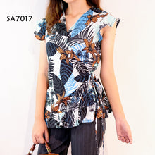 Load image into Gallery viewer, Printed Wrap Blouse