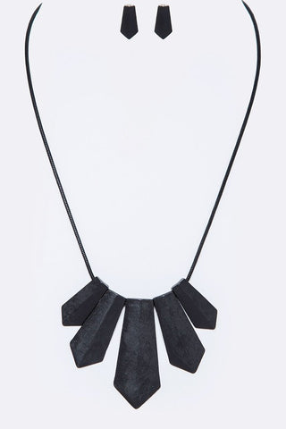 iconic matte necklace