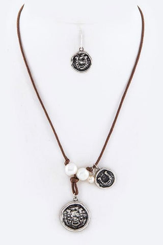 leather freshwater pearl droplet