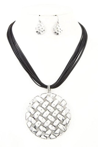 metal quilted pendant set