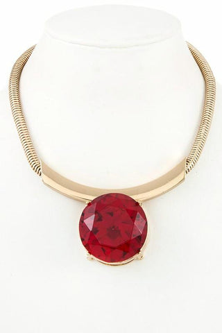 fall's statement collar in red