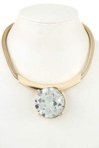 fall's statement collar in clear