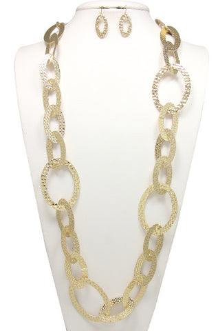 matted couture linked necklace