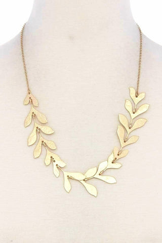 delicate sculpted leaf necklace